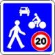 Un panneau de zone peut se rencontrer hors agglomération.