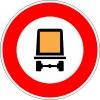 Ce panneau interdit l'accès aux véhicules de transport de marchandise: